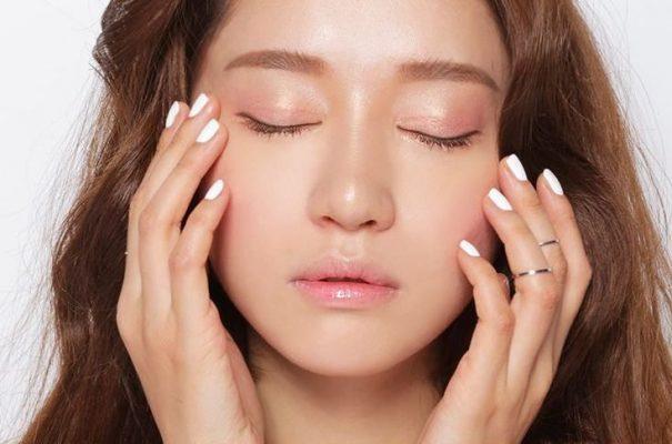 Stress gây ra nhiều vấn đề về da trong đó có tình trạng đổ dầu nhiều hơn